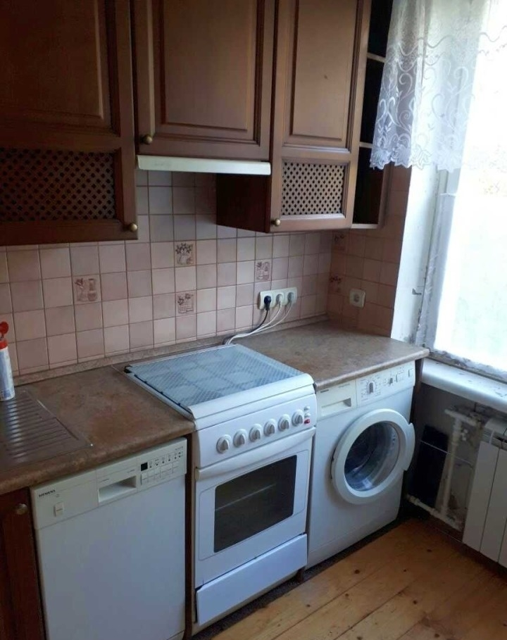 http://arendaspb24.pro.bkn.ru/images/r_big/3a1b3776-7d3a-11e7-b300-448a5bd44c07.jpg